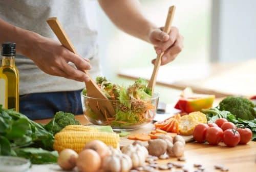 Comment s'alimenter pour éviter de tomber malade ?