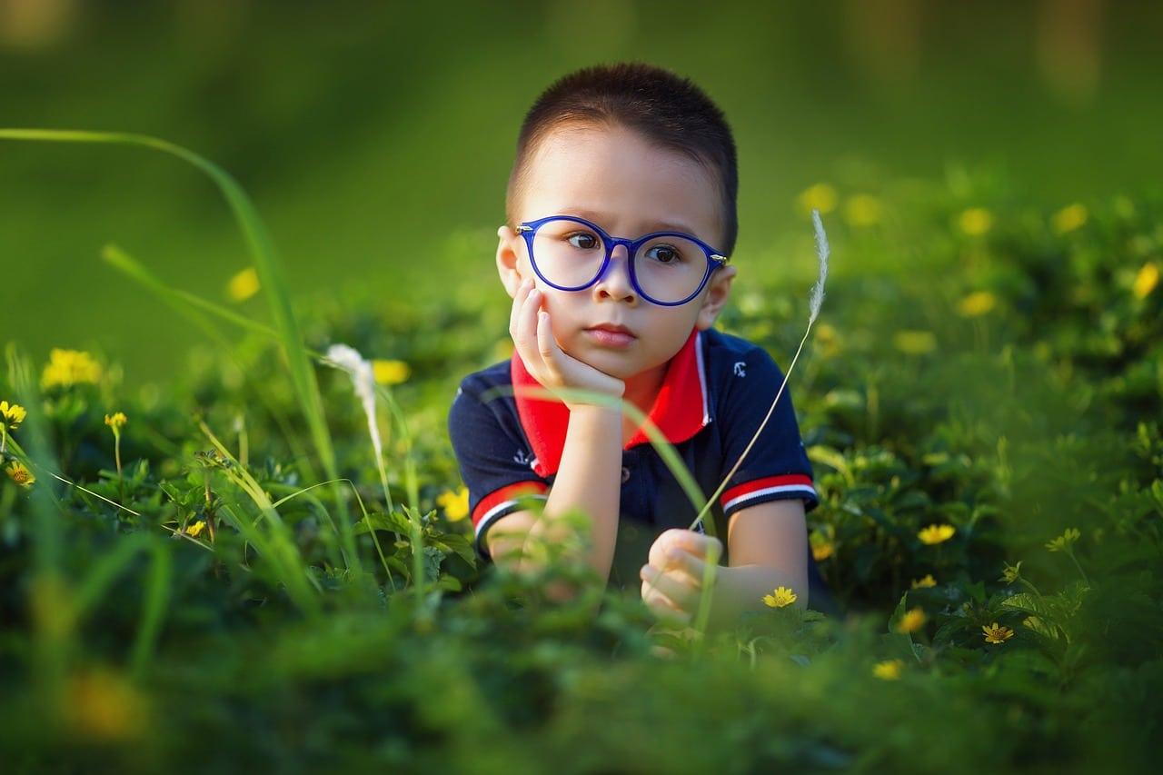 Bien choisir les lunettes de son enfant : pourquoi c'est important ?